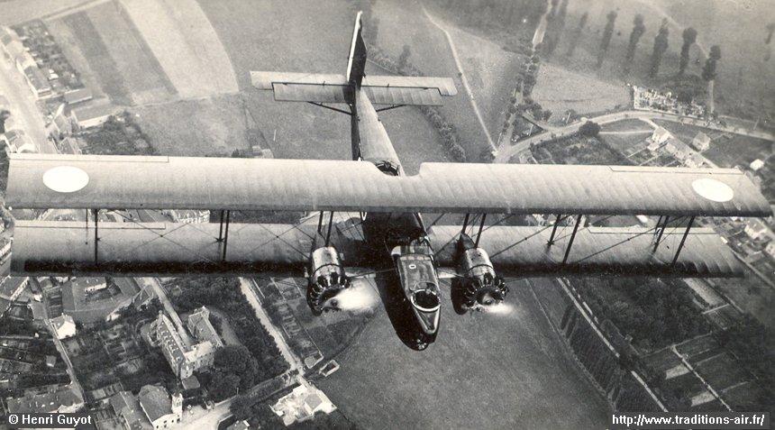 bombardiers  avions de transport et de reconnaissance
